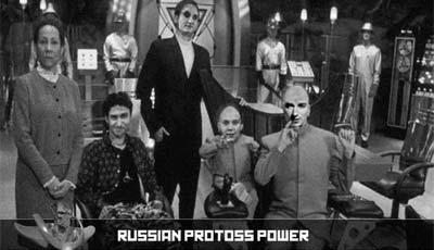 Слева направо: Керриган без макияжа, Lancerx, Djem5, Mini-Tama, Tama Задний фон: игроки за зергов